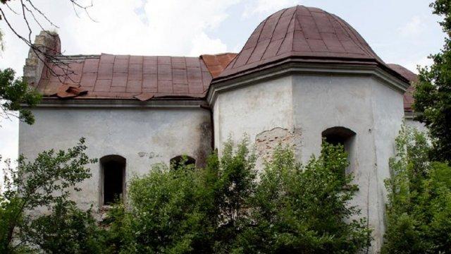 На Львівщині закинутий костел продали з аукціону за 30 тисяч гривень
