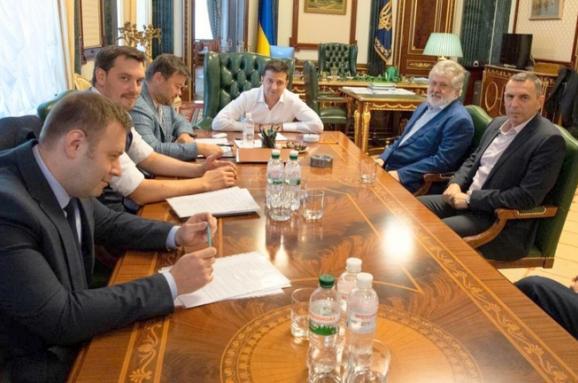 Настав час віддати частину ваших грошей на соціальні проекти та реконструкцію Донбасу, - Зеленський про своє спілкування із олігархами