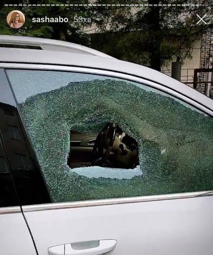 Скандальній франківській блогерці невідомі розбили вікно в автомобілі