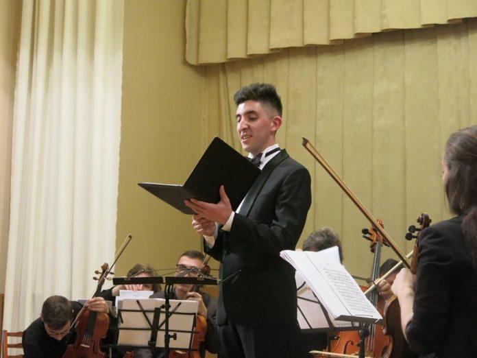 """""""Я працюю натхненно, бо моя муза – пісня"""", – Назар Корняк – хлопець з прикарпатського села, який підкорив """"Х-Фактор"""""""