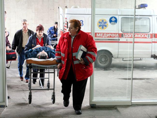 МАРСіани та рятувальники допомогли медикам доставити важкохворого франківця до лікарні