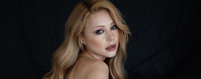 Зіркова франківчанка Тіна Кароль знялася у еротичній фотосесії повністю оголеною