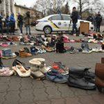 286 пар взуття: на Вічевому майдані створили інсталяцію, аби привернути увагу до домашнього насильства