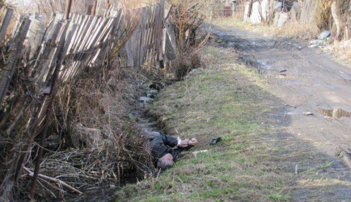 Молодий прикарпатець загинув від отруєння неякісним алкоголем
