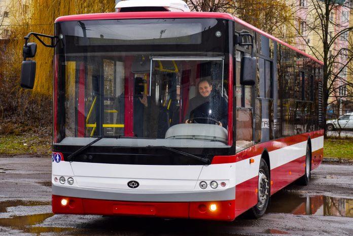 Івано-Франківськ планує закупити 10 автобусів