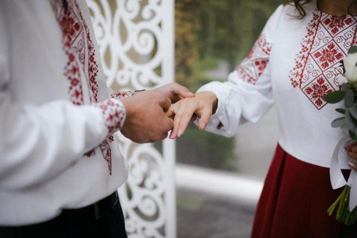 шлюб за добу