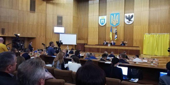 Міська рада звернулася до Гончарука та Разумкова з вимогою не зменшувати фінансування Франківська