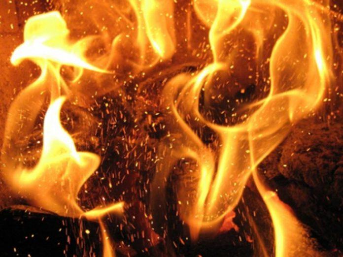 Впродовж минулої доби на Прикарпатті надійшло десять повідомлень про пожежі