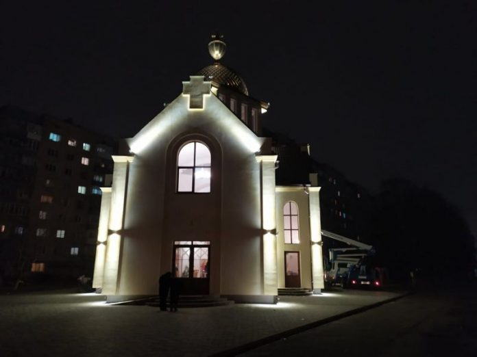 У Франківську на Вовчинецькій підсвітили церкву