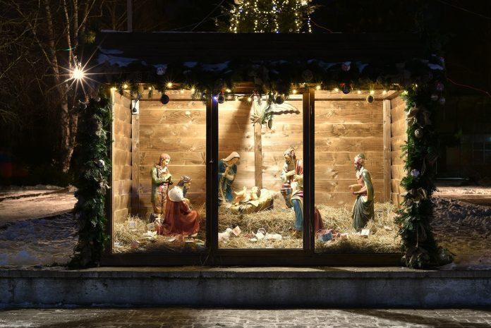 Франківців запрошують зробити різдвяну шопку для Палацу Потоцьких