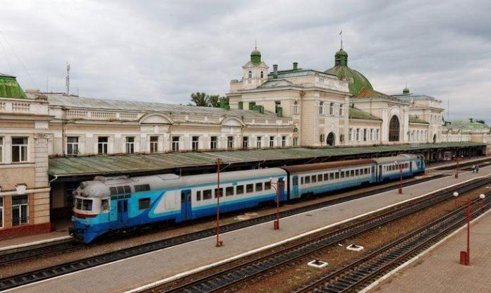 """""""Українофобський поїзд"""": у Франківську тернополянина не впустили у вагон через українську мову"""