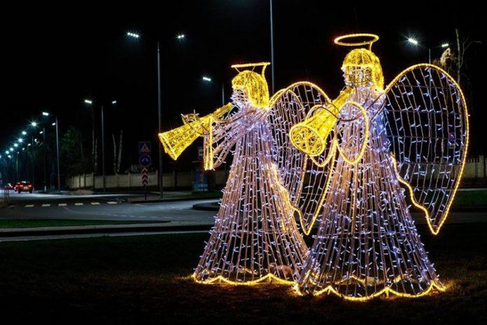 На оновлення святкової ілюмінації Калуша з міської скарбниці виділили 130 тисяч