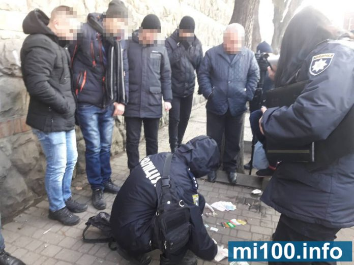 В Івано-Франківську на гарячому упіймали кишенькових злодіїв