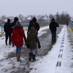 Чекали на холоді кілька годин: Як Зеленського на Прикарпатті зустрічали: фоторепортаж