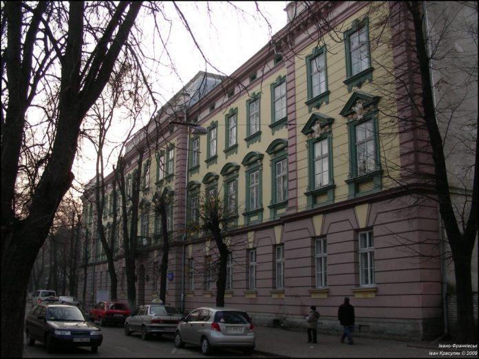 З нагоди ювілею франківського театру, місті відремонтують вулицю його патрона