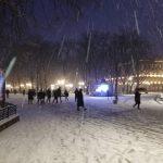 Завдяки першому снігу Івано-Франківськ поринув у справжню різдвяну атмосферу