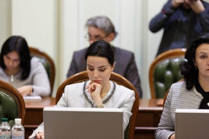 Оксана Дмитрієва