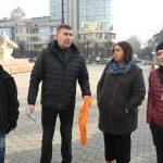 У Франківську, через брак ліків для ВІЛ-позитивних хворих, активісти встановили чорну ялинку
