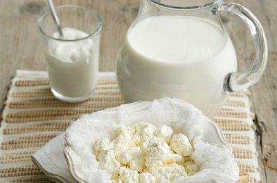 Домашні молоко, сир та сметана з Центрального ринку – завжди смачно та корисно