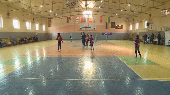 Шкільний турнір з футзалу розпочався у Коломиї