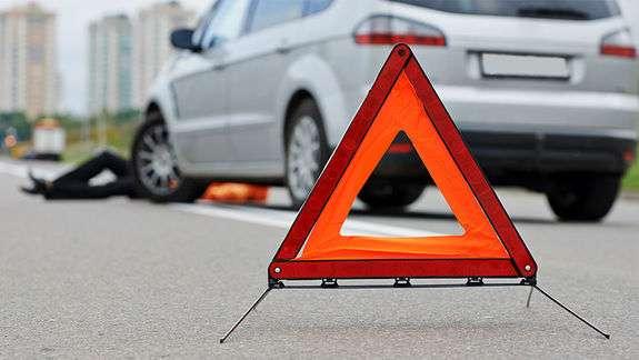 Перебігав дорогу: на Франківщині водій збив пішохода, стан потерпілого критичний