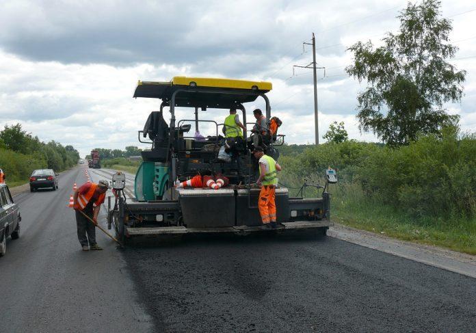 У Бурштині відремонтують дві місцеві дороги