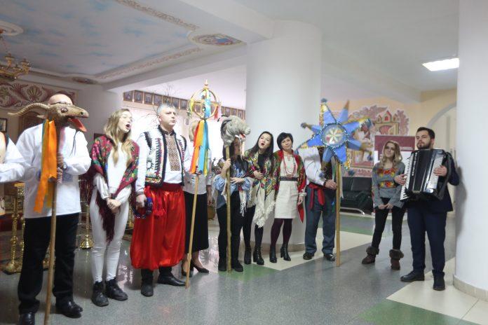 Викладачі та студенти Університету Короля Данила виступили з вертепом, аби допомогти соціальним проектам Івано-Франківська