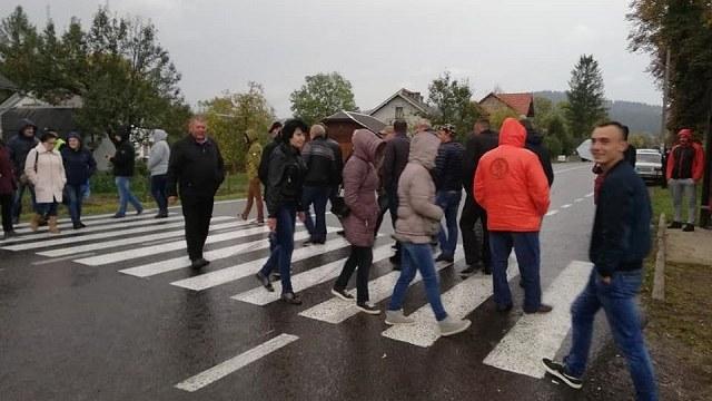 Поблизу Крилоса люди перекриватимуть трасу на Львів