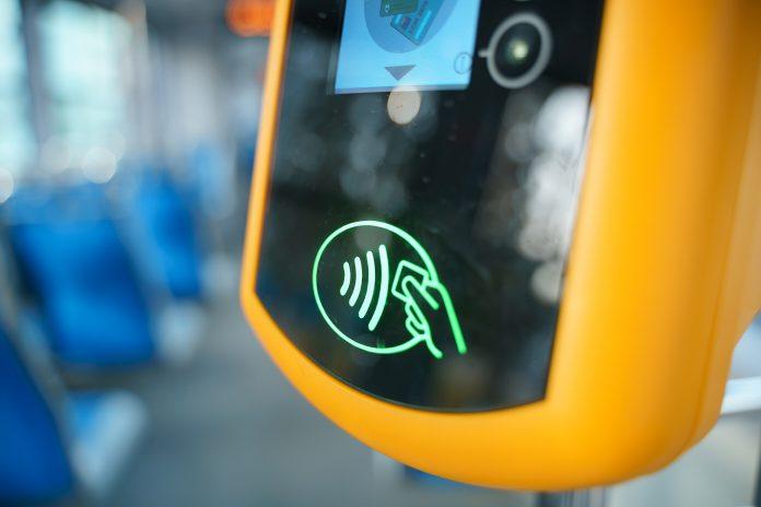 З 1-го березня у комунальному транспорті Івано-Франківська має запрацювати електронний квиток