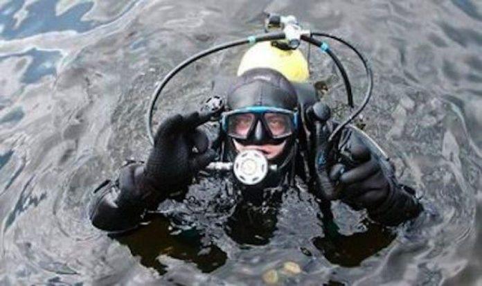 Прикарпатські водолази обстежують водойми і готують їх до Водохреща
