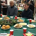 З кутею, варениками та пампушками: як у Франківську Різдвяним обідом нужденних пригощали