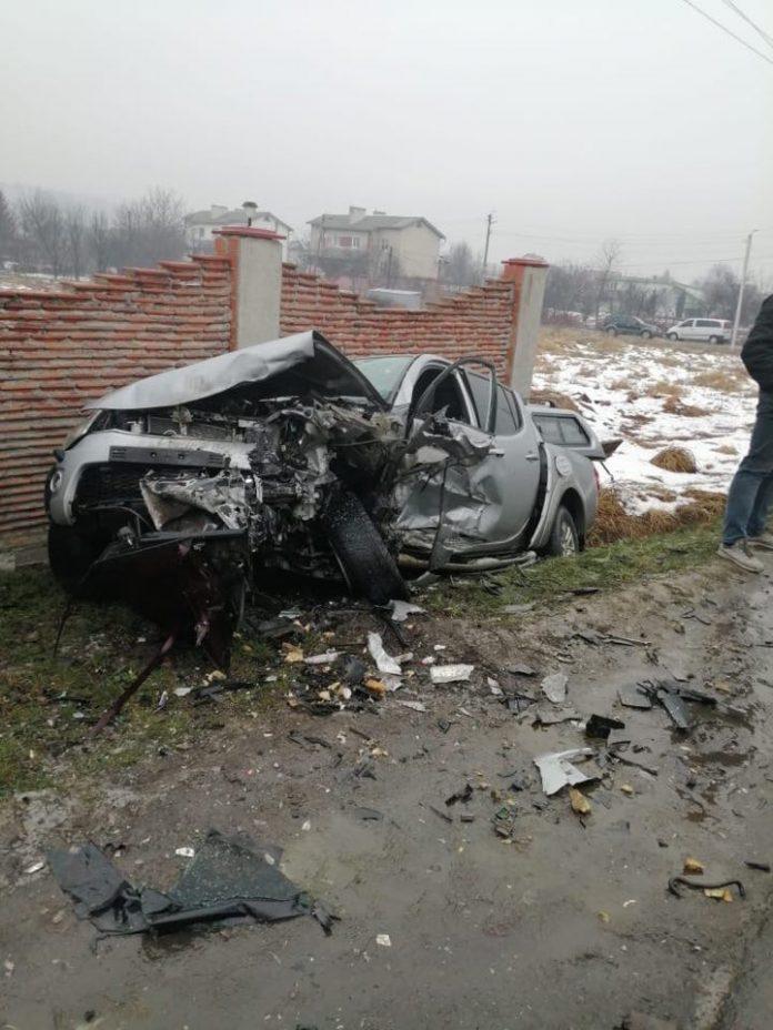 У Калуші внаслідок зіткнення Ауді та Мітцубісі загинув один з водіїв: фото