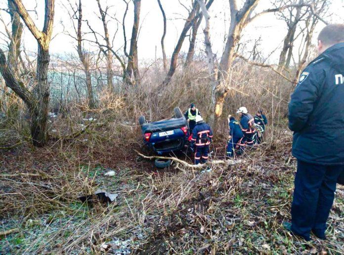 Тіла загиблих людей із понівеченого автомобіля вдалося дістати тільки рятувальникам - деталі смертельного ДТП на Рогатинщині