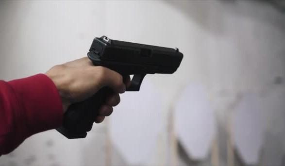 Стріляли з рушниці й пістолета: в Угорниках чоловік дивом вижив після озброєного нападу