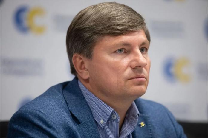 Справами проти Порошенка влада відволікає увагу суспільства від своєї некомпетентності - Герасимов