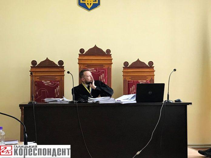 На Прикарпатті судять прокурора, якого затримали на хабарі