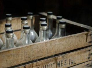 На одному з місцевих підприємств Прикарпаття виявили дві тони сурогатного алкоголю
