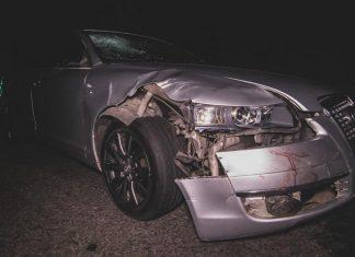 На Франківщині водій збив 2 осіб, потерпілі без свідомості