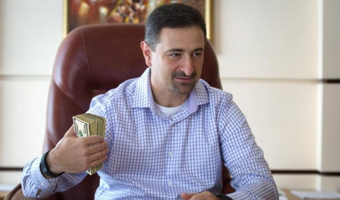 Гендиректор Укрпошти: Моя зарплата прив'язана до зарплати листоноші