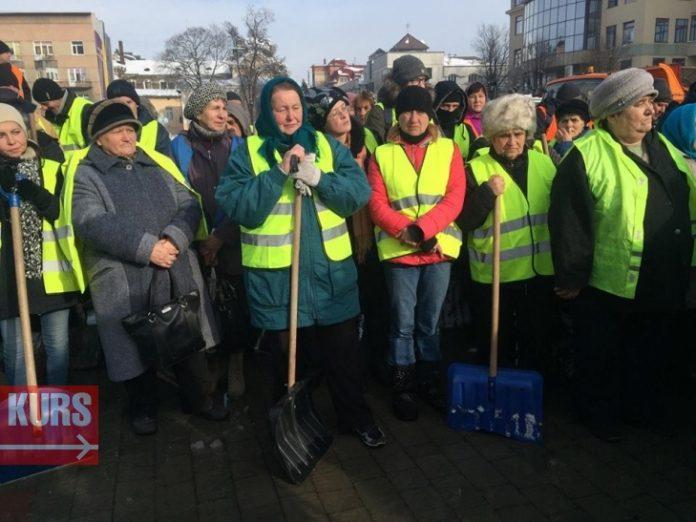 В Івано-Франківську шукають працівників на комунальні підприємства - пропонують зарплатню від 5 до 9 тисяч гривень