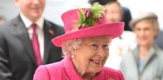 Королева Єлизавета ІІ продемонструвала яскравий образ. Фото