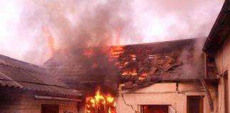 Під час пожежі на Косівщині отримав опіки літній чоловік