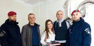 Прикарпатські поліцейські привітали з Днем народження дочку загиблого колеги