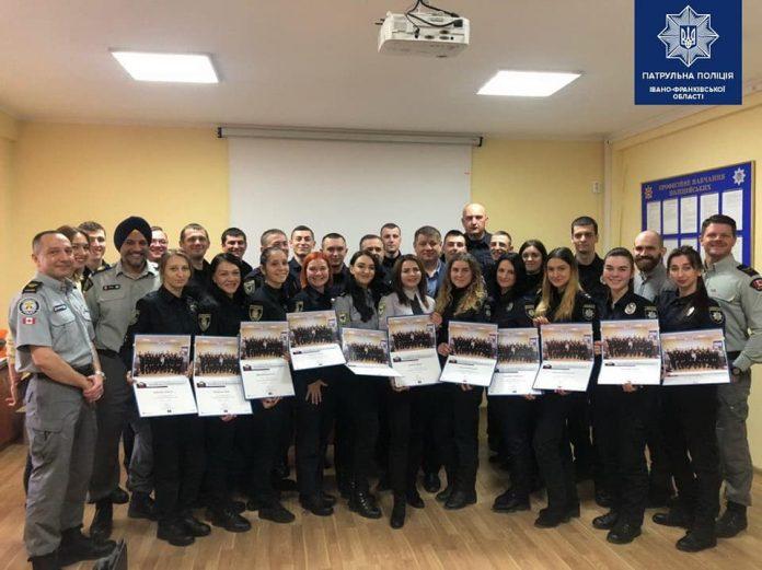 Канадські поліцейські провели навчання для франківських колег