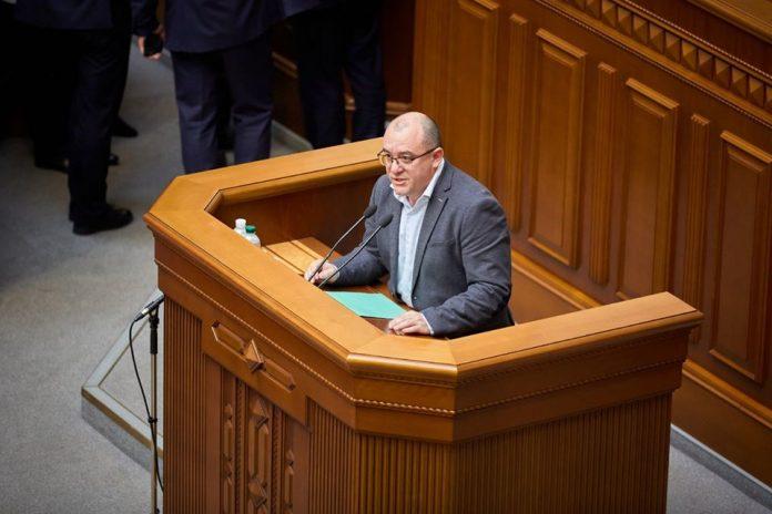Прикарпатський нардеп від '' Слуги народу '' з осторогою віднісся до законопроєкту про виплату пенсій жителям ОРДЛО