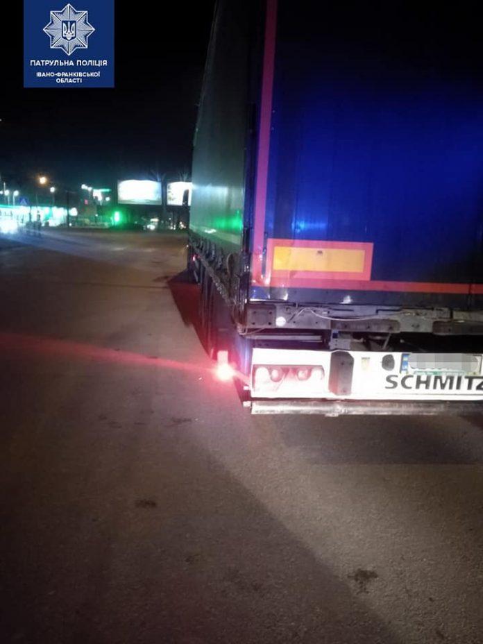 Франківські патрульні розшукали п'яного кермувальника, який скоїв ДТП і втік з місця події