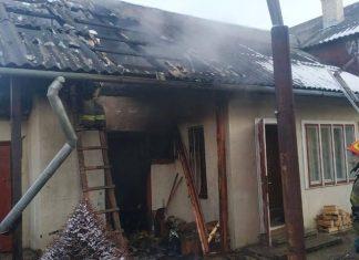 У Болехові спалахнула літня кухня: фото