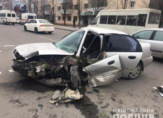 В Калуші зіткнулися дві іномарки - обидвох водіїв госпіталізовано