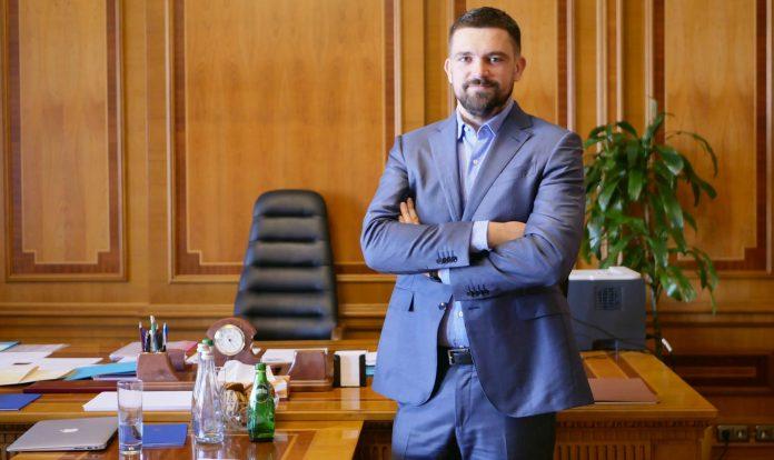 Офіс президента втручається в релігійну політику на боці Московського патріархату