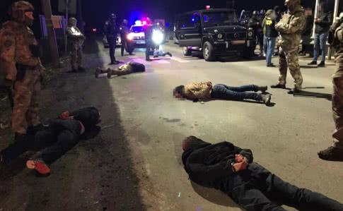 """Стрілянина у Мукачеві: затримано 7 осіб, які """"планували встановити контроль над регіоном"""""""